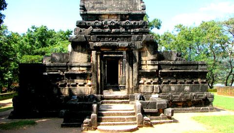 Nalanda Gedige Sri Lanka